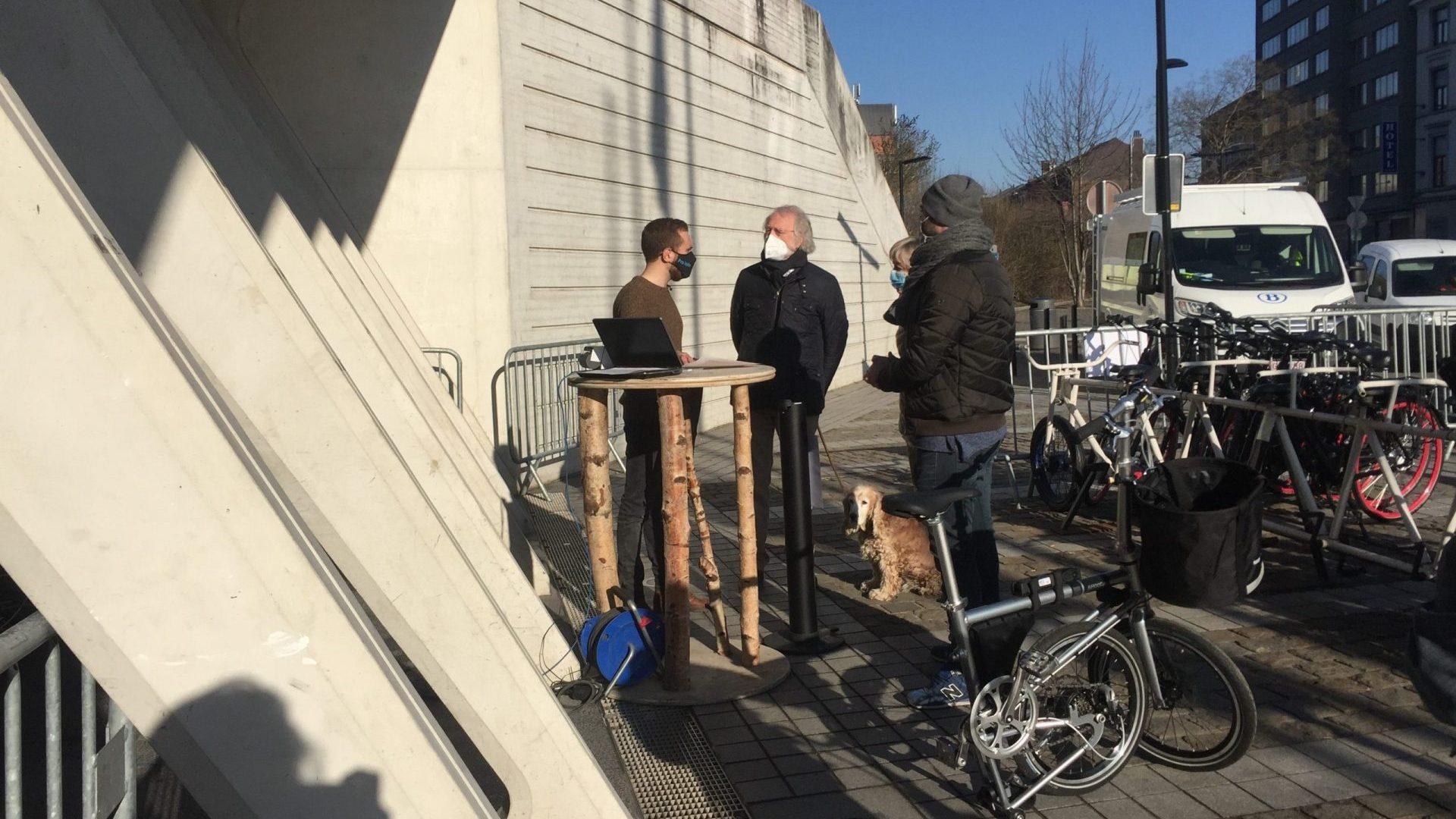 les testeurs viennent chercher leur vélo